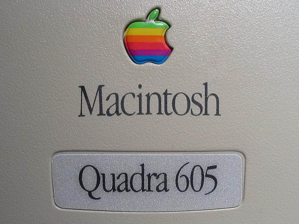 Macintosh Quadra 605 label