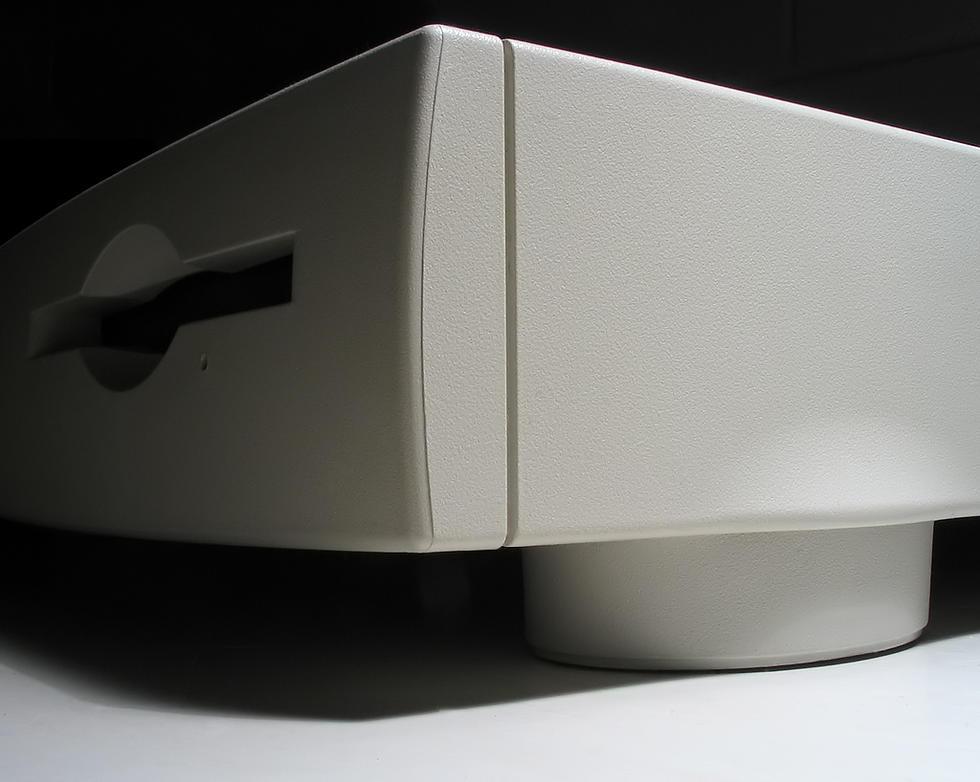 Macintosh Quadra 605 front